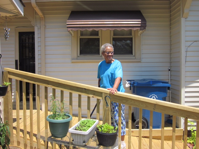 Meals on Wheels client with new ramp